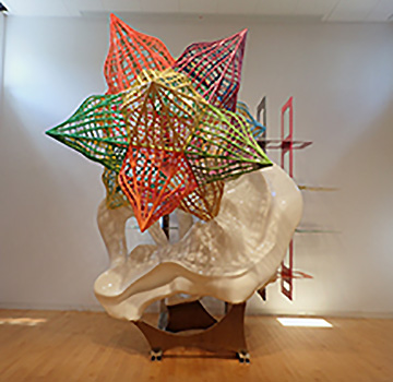 Frank Stella - Star Sculpture - photo by Luxury Experience